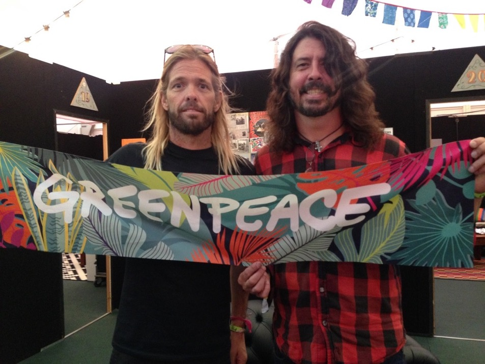 Foo Fighters with a Greenpeace banner at Glastonbury 2017