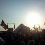 Kasabian on Pyramid with the sun setting behind...life is good!