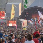 Big crowd at the Pyramid Stage 2009