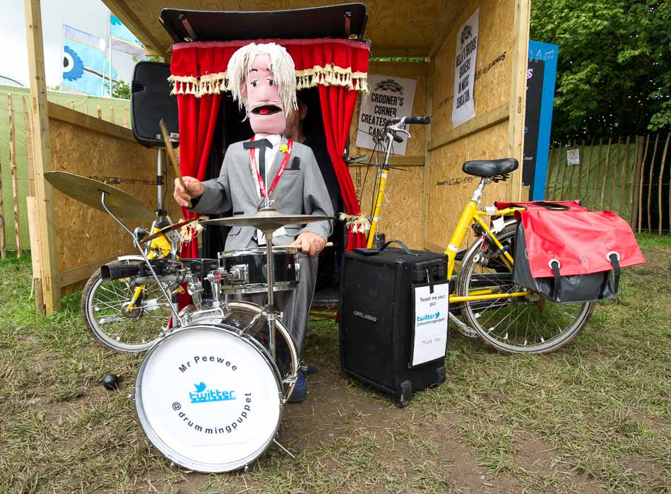 Mr Peewee Druming Puppet 2015
