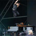 Jamie Cullum leaps