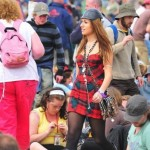 I was papped (but didn't realise). A picture of Gabriella Cilmi, the singer with me (in yellow behind). Its a horrible picture! hehe