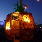 I want this pineapple hut in my garden.