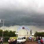 Storm rolls in!